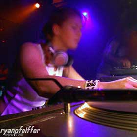 Mary Mac Montreal Club DJ